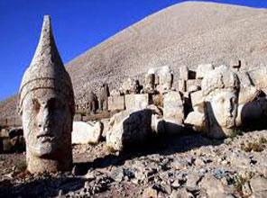 2 Bin 700 Yıllık Nemrut Hazinesi Bulundu