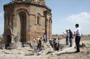 5 Bin Yıllık Tarihi Ani Antik Şehrinde Kazı Çalışmaları Yeterli Değil