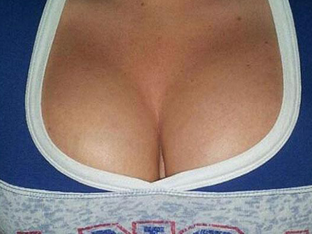 ABD Kansas Üniversitesi Kızları Göğüs Resimleri