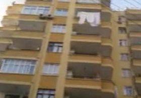 Adanada Deney Yaparken Evi Yakan Kızlar