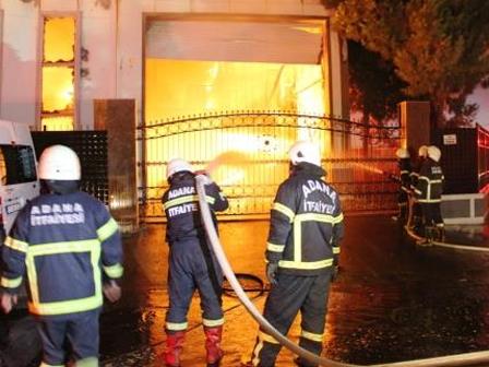 Adanada Şalgam Fabrikası Yandı