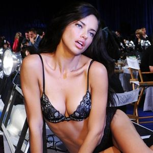 Adriana Lima Antalyada Yürek Hoplattı