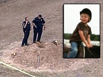 Amerikada 5 Yaşındaki Çocuğun Abisini Gömmesi İzle