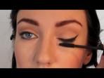 Anne Hathaway  Kedi Gözü Makyajı Nasıl Yapılır