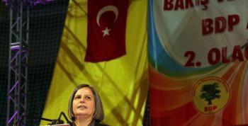 BDP Diyarbakirda Turk Bayragi Dalgalandirdi BDP Diyarbakırda Türk Bayrağı Dalgalandırdı