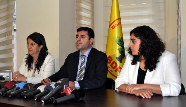 BDP Heyeti Terör Örgütü Elebaşı Öcalanla Görüştü