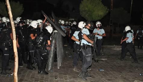 BDP Yürüyüşüne Polis Müdahalesi