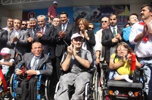 Bakan Şahinin Katıldığı Engelsiz Park Açılışına Engelli Vatandaş Damga Vurdu