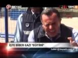 """""""Bari Bugün Esad'ı Kına"""""""