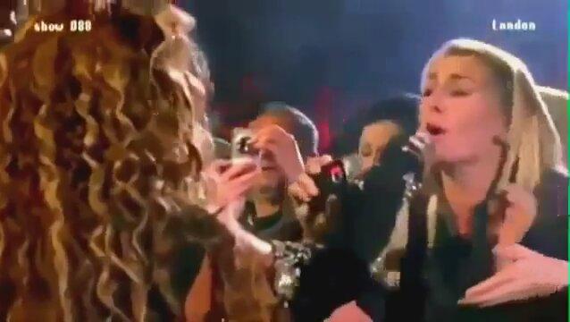 Beyonceyi Görünce Dili Tutulan Kızı İzle