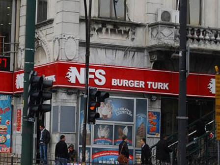 Burger Turk Mahkemeye Takıldı