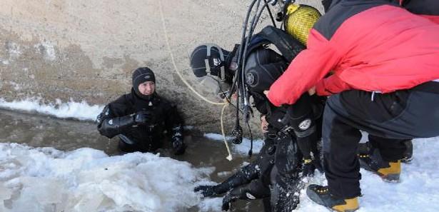 Vanın Muradiyede Buz Tutan Dere Gıyasettini Öldürdü