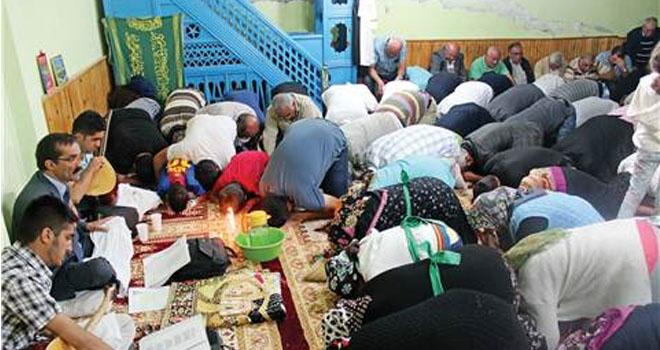Camiyi Cemevi Yaptılar