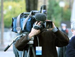 Cihan Kameramanı Yaralandı