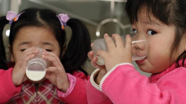 Çinde Bebek Mamasından Sonra Süt Tozu Krizi
