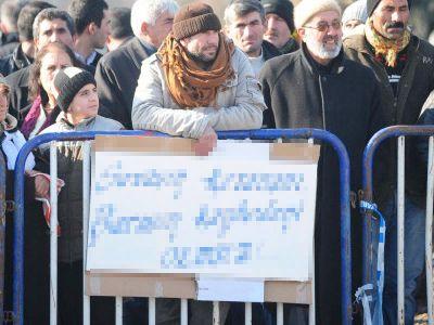 D.Bakır'da Savaşın Kazananı, Barışın Kaybedeni Olmaz Pankartı