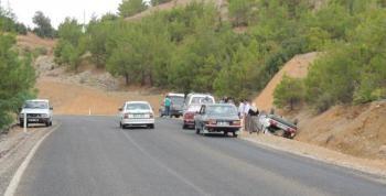 Düğüne Giderken Kaza Yaptılar 4 Yaralı