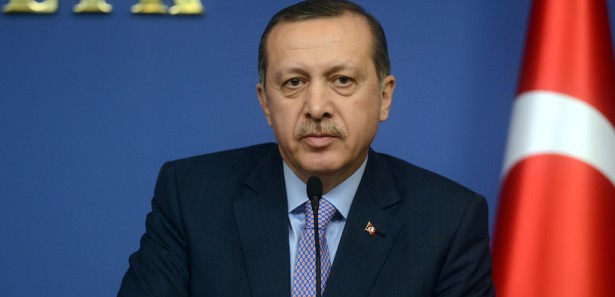 Başbakan Erdoğanın Anzelina Teyzeyi Ziyaretini İzle