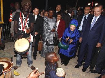 Erdoganin-Senegaldeki-HEykele-TEpkisi-izle