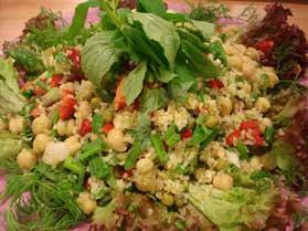 Evde Bulgurlu Nohut Salatası NAsıl YApılır