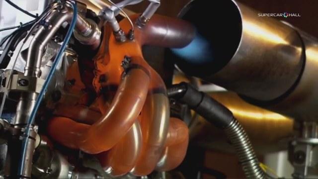 F1 Arabalarının Motor Testlerini İzle