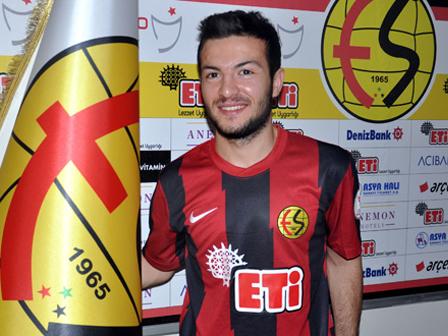 F.Bahçeli Özgür Çek Eskişehirspora Transfer Oldu