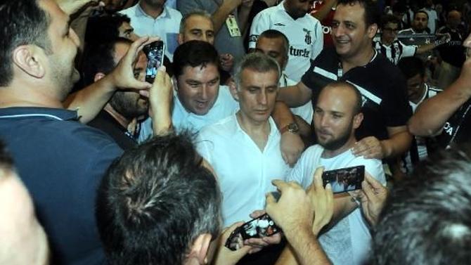 Fenerbahçe Tribününde De Otururum