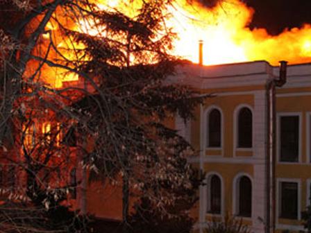 Galatasaray Üniversitesindeki Yangının Gerçek Çıkış Sebebi