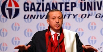 Gaziantep Üniversitesi Erdoğana Fahri Doktora Verdi