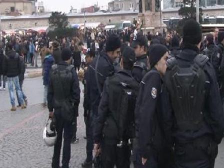 Gezi Parki Kapatildi Gezi Parkı Kapatıldı