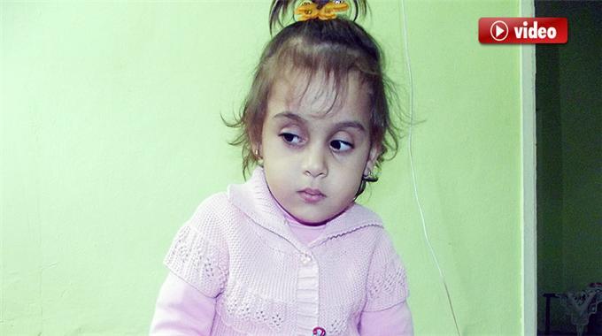 Gözleri Görmeyen Küçük Kız