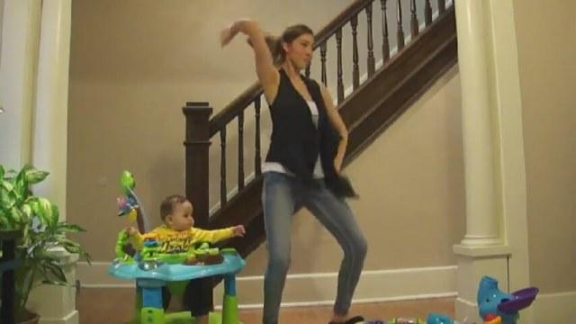 Harlem Shake Dansı Yapan Bebek