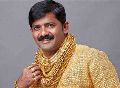 Hindistanda  24 Ayar Altından Gömlek Görüntüleri