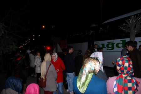 Idıra Giden Otobüsü Orduda Taşladılar