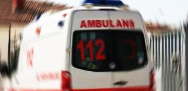 Kamyon İle Ambulans Çarpıştı 3 Yaralı