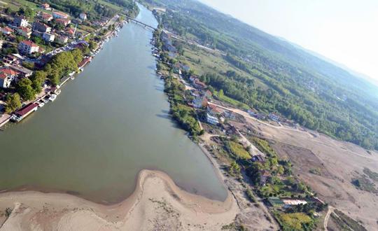 Karadenizde Dalgaların Getirdiği Kum Sakarya Nehrinin Ağzını Daralttı