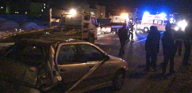 Kars Memurları Taşıyan Araba Kaza Yaptı