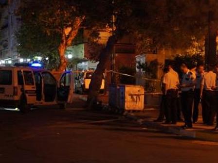 Kurtköyde Silahlı Çatışma 1 Polis Ve 1 Saldırgan Yaralandı