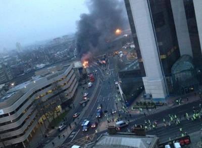 Londra'da Helikopter Kazası İzle