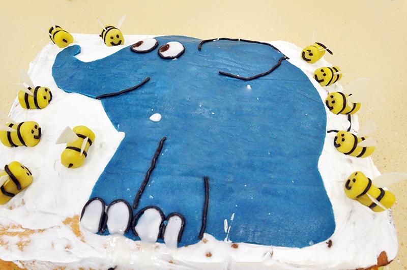 Mavi Fil Pastası NAsıl Yapılır