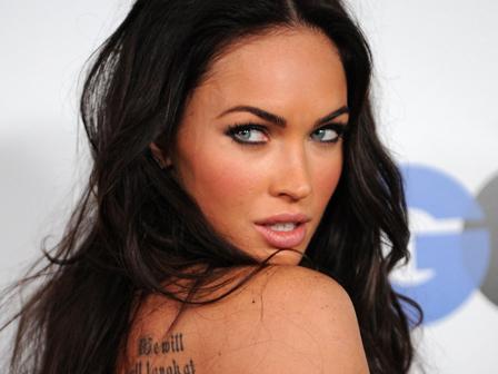 Megan Foxun Yeni  Yaptirdigi Dovme Megan Foxun Yeni  Yaptırdığı Dövme