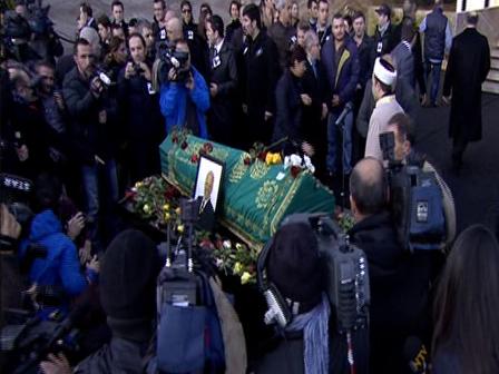 Mehmet Ali Birandin Cenaze Torenini izle Mehmet Ali Birandın Cenaze Törenini İzle