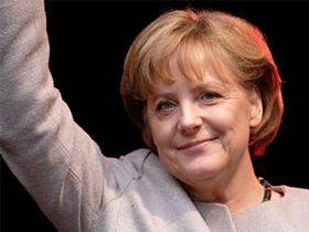 Merkel Yunanistan İçin Beklemede