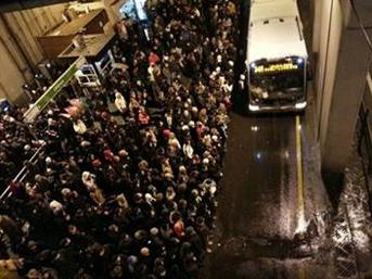Meteorolojiden İstanbul İçin Yağmur Ve Kar Uyarısı
