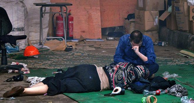 Mısırda Göz Yaşartıcı Gazla Katliam 52 Ölü