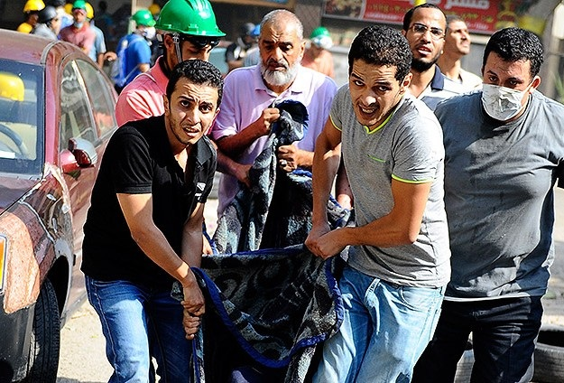 Mısır`da Katliam Diğer Kentlere De Sıçradı