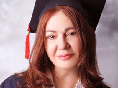 Nazan Öncel 57 Yaşında Üniversiteyi Bitirdi