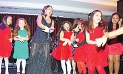 Nükhet Duru Gangnam Style İzle