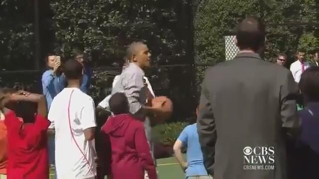 Obama Basketbolda Beceriksiz Çıktı