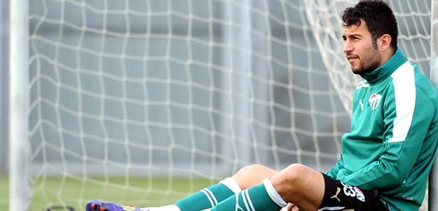 Ozan İpek Bursaspor ile sözleşmesini feshetti